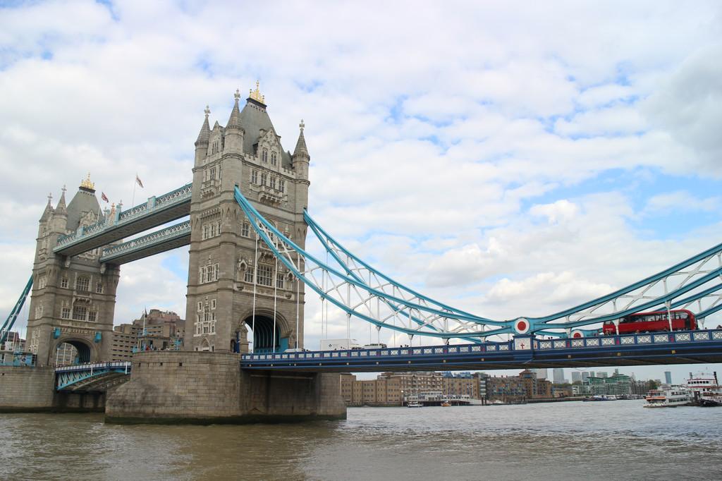 之二十三: 伦敦塔桥