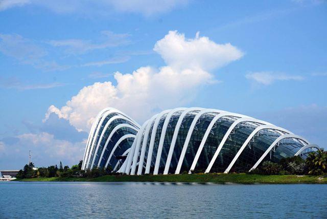 隔海相遥---新加坡&民丹岛
