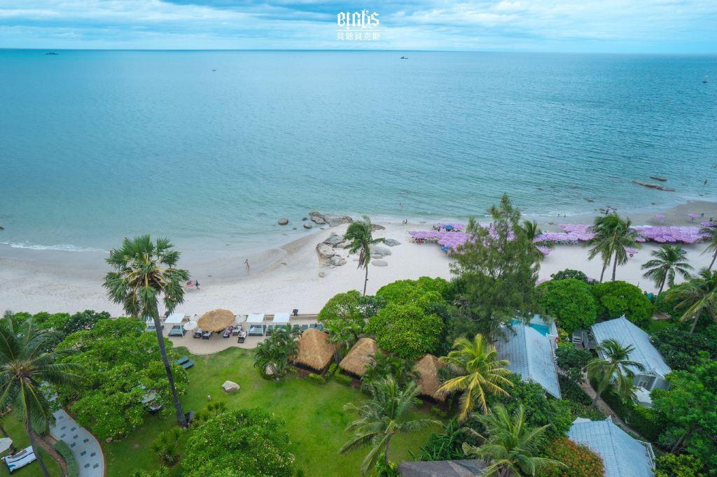 碧海�z.*�yK^[�_景观也非常赞,几乎是270度的视角,放眼便是碧海白沙的海边