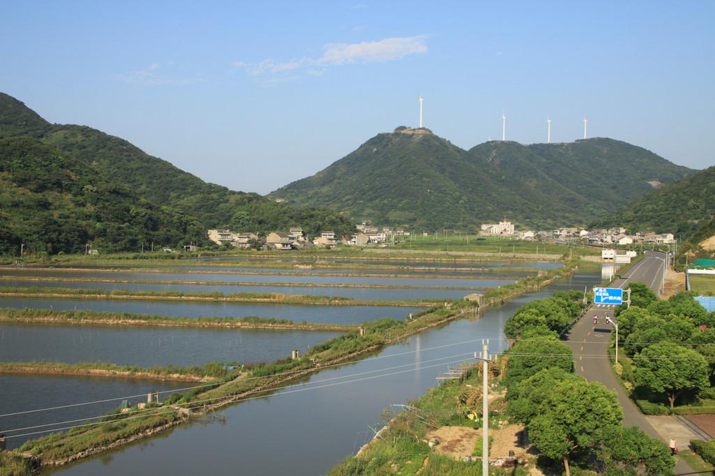 """衢山岛是有盐田3平方公里,为""""岱盐""""主要产地之一"""