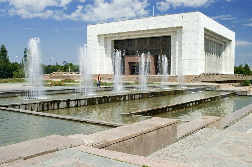 吉尔吉斯斯坦国家博物馆  Muzei   -3