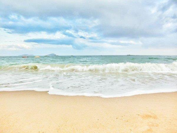 三亚湾的海滩还是比较漂亮的