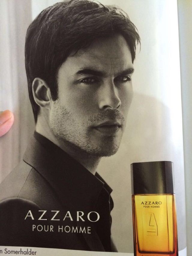 了我的男神(飞机上的一本书上有damon的香水广告)