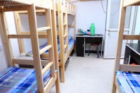 上海8090青年求职公寓预订价格,地址 真南路1051弄14号楼205室
