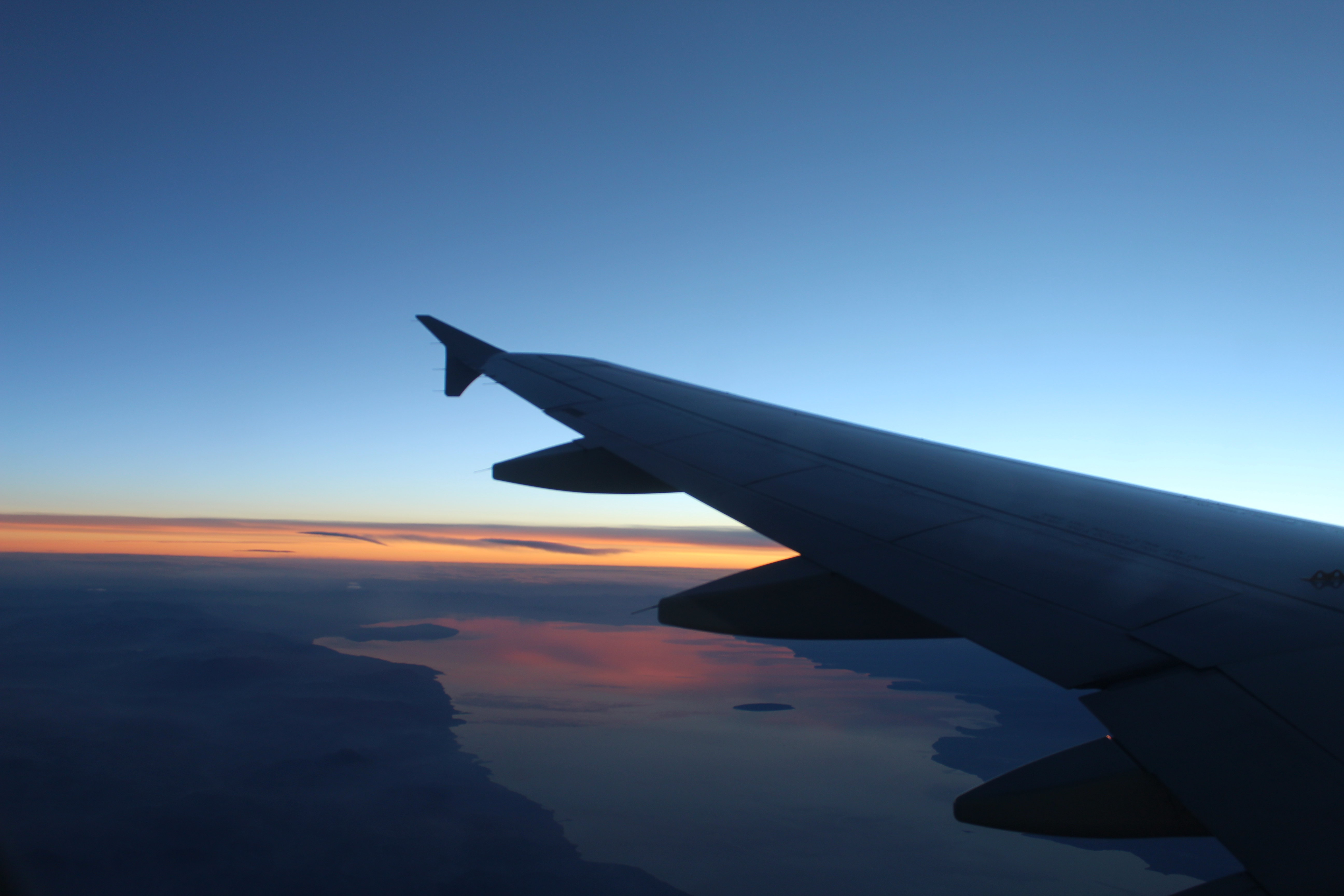 在飞机上看日出日落和地上不一样