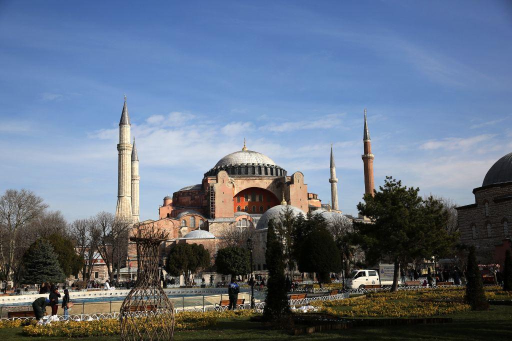 整座蓝色清真寺装饰著的2万片上的伊兹尼蓝磁砖