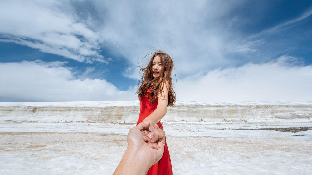 国产婚纱自拍_自驾7980公里穿越中国腹地,自拍婚纱的\