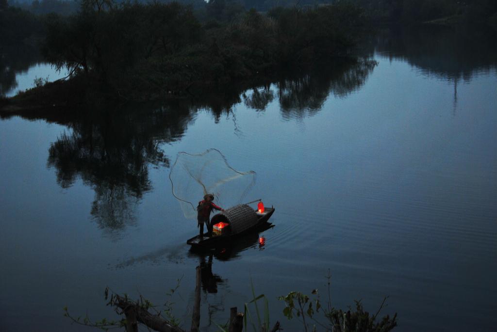 渔舟,渔翁,渔灯