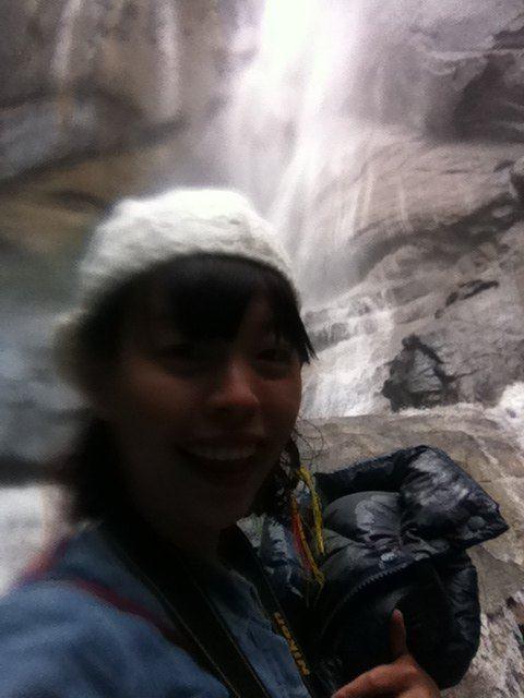 全身衣服,羽绒,帽子,头发,相机都被瀑布淋湿了,那个爽啊!图片