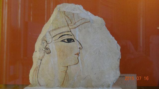 希腊米诺斯宫殿壁画残片的色彩仍然
