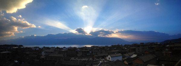 阳光穿过云层,丁达尔现象,美得内心充满感恩