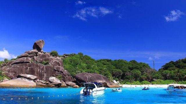8号岛是群岛中面积最大的岛屿