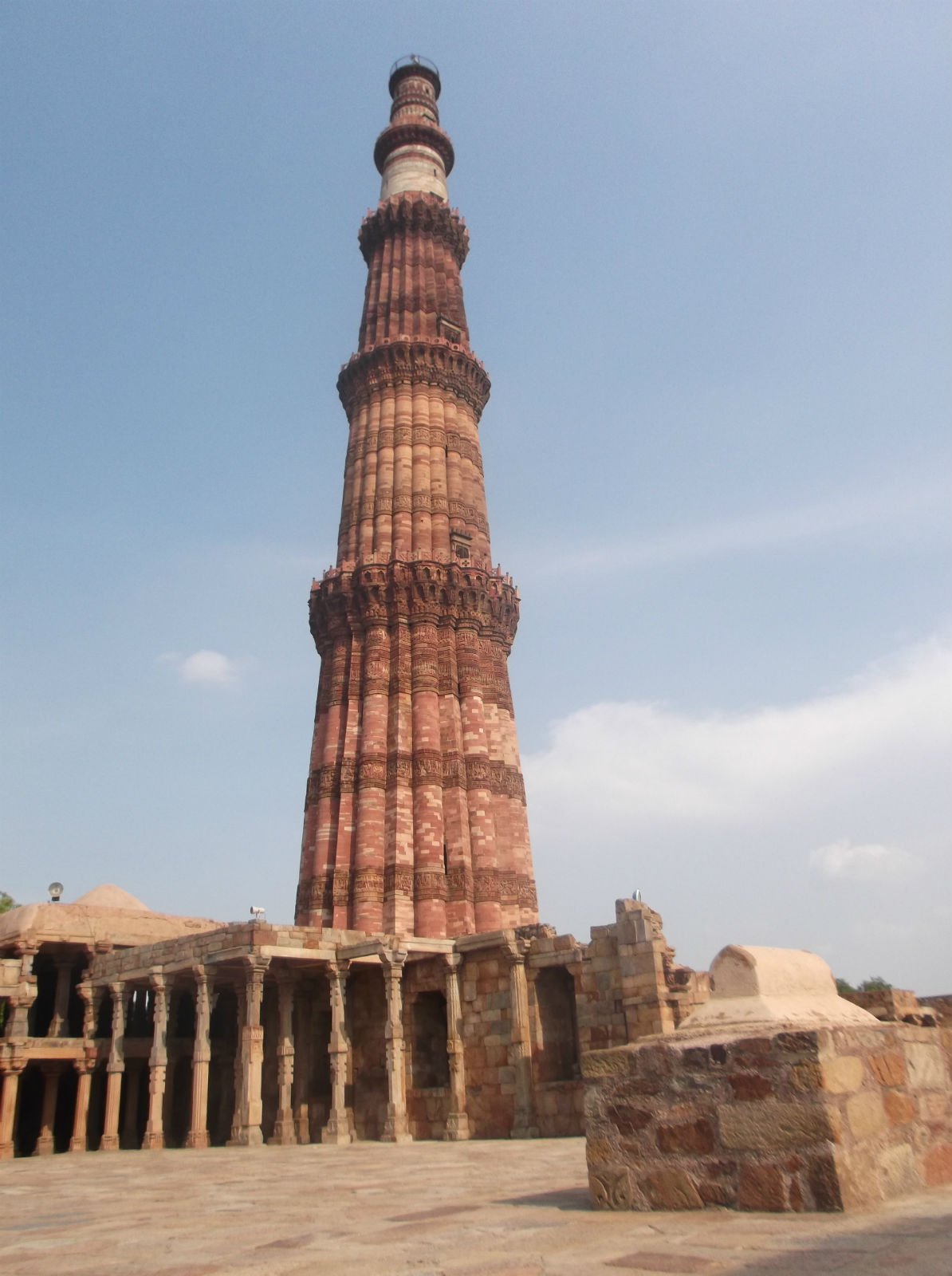 顾特卜塔也称库杜布塔位于印度德里