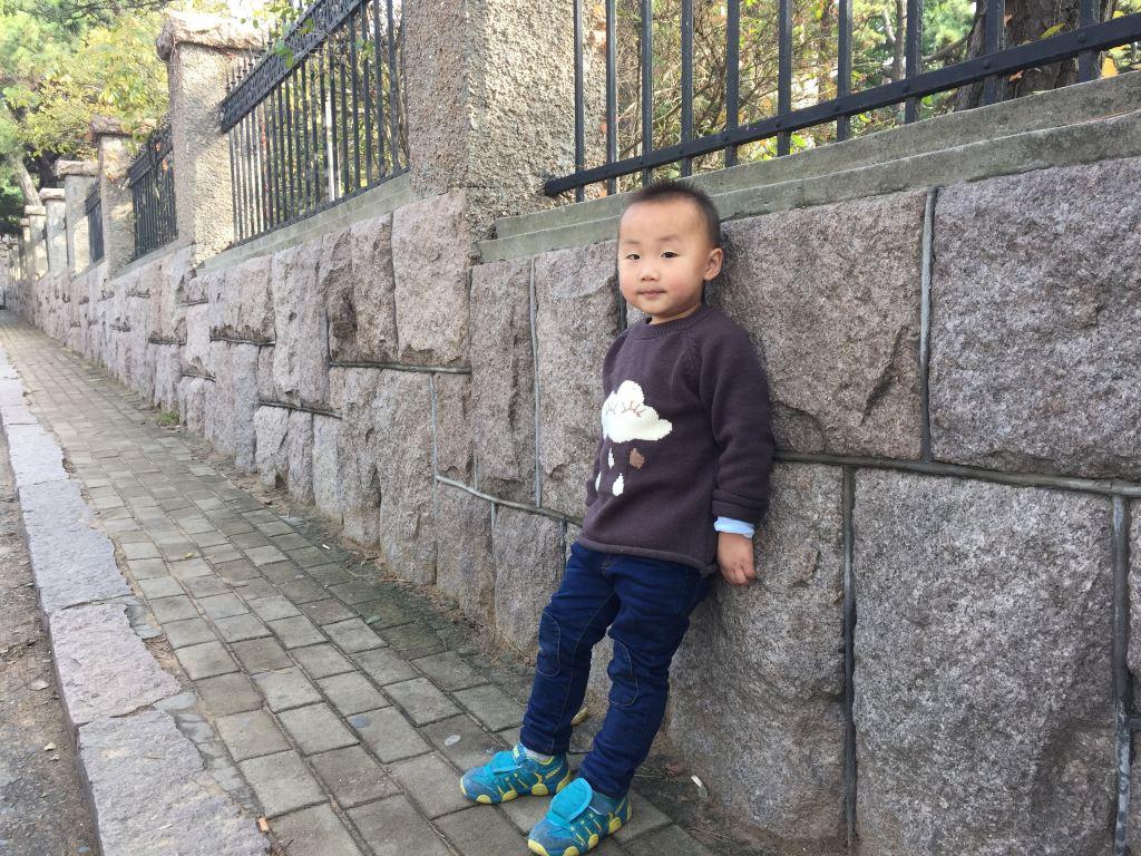 美美一餐后,散步去火车站.回家! 青岛