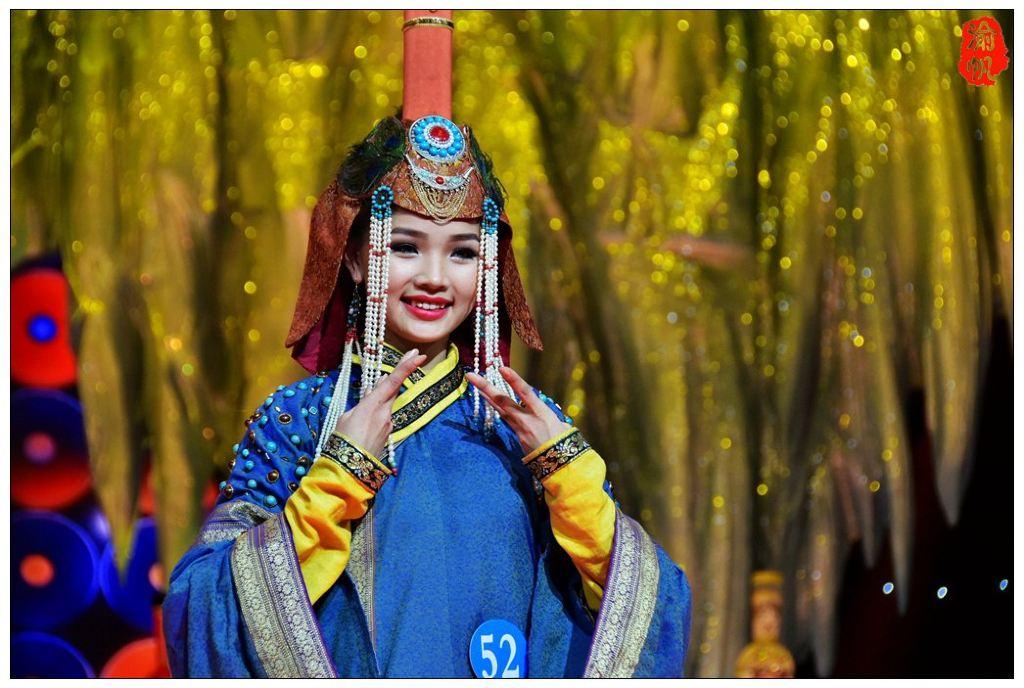 蒙古模特乌仁赛汗