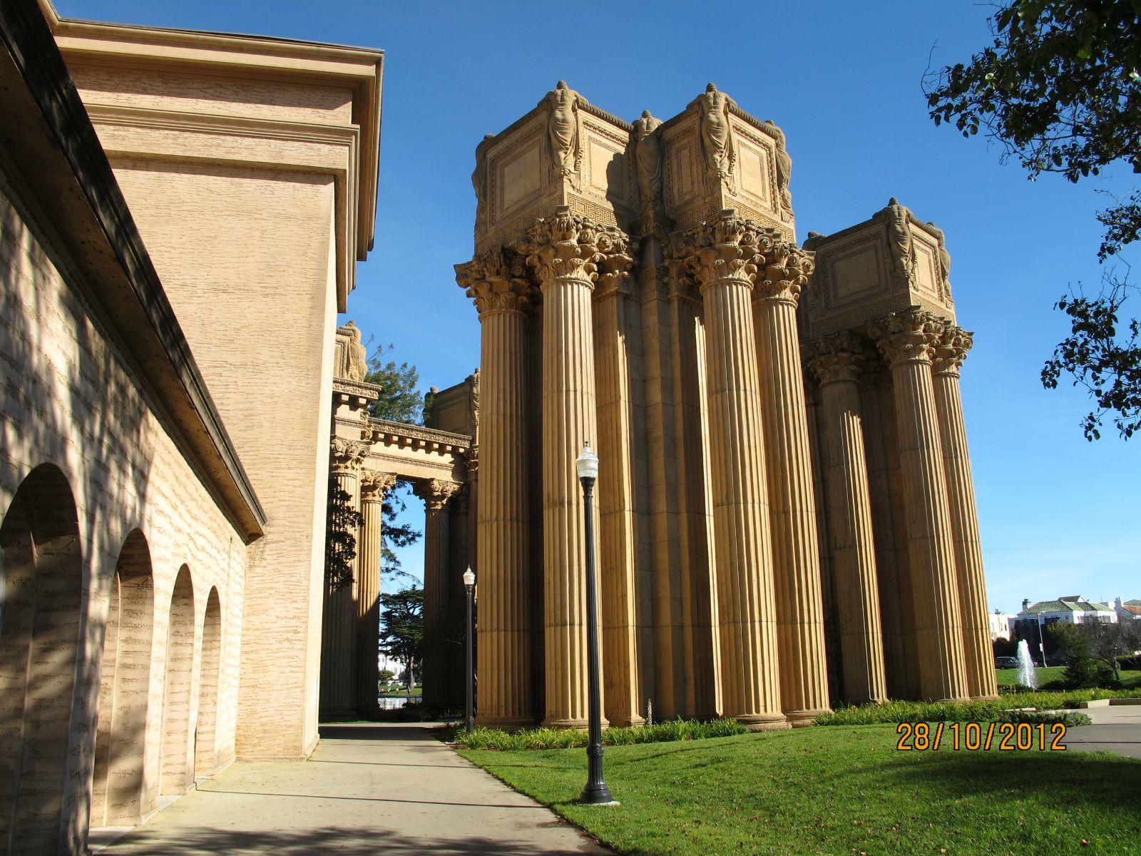 欧式拱门建筑石柱素材图