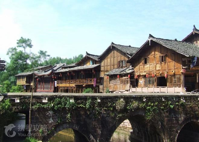 四川2日1晚跟团游·碧峰峡+动物园+风景区+上里古镇