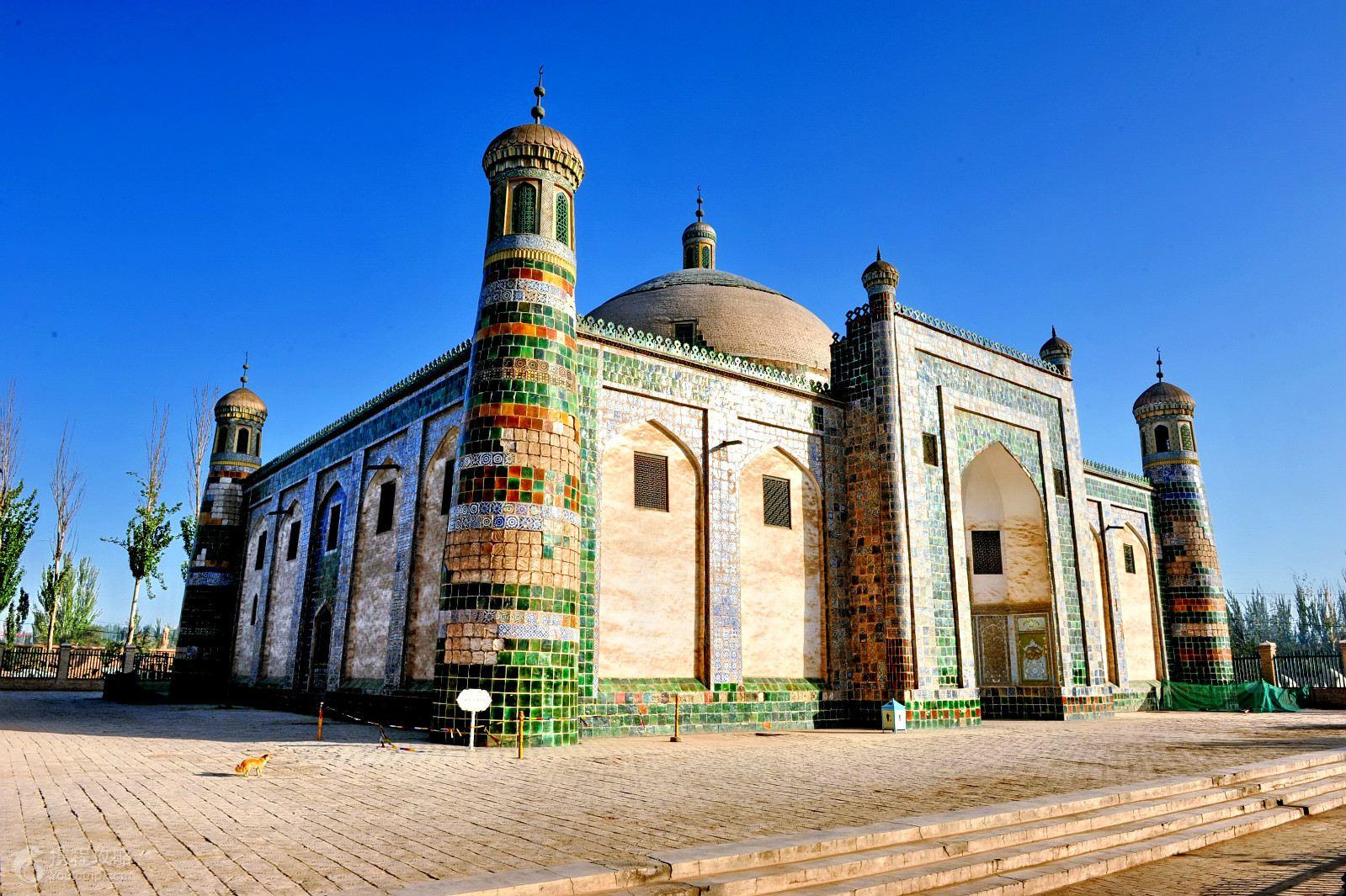 乌鲁木齐+喀什市+布尔津+喀纳斯+吐鲁番+天山天池9日