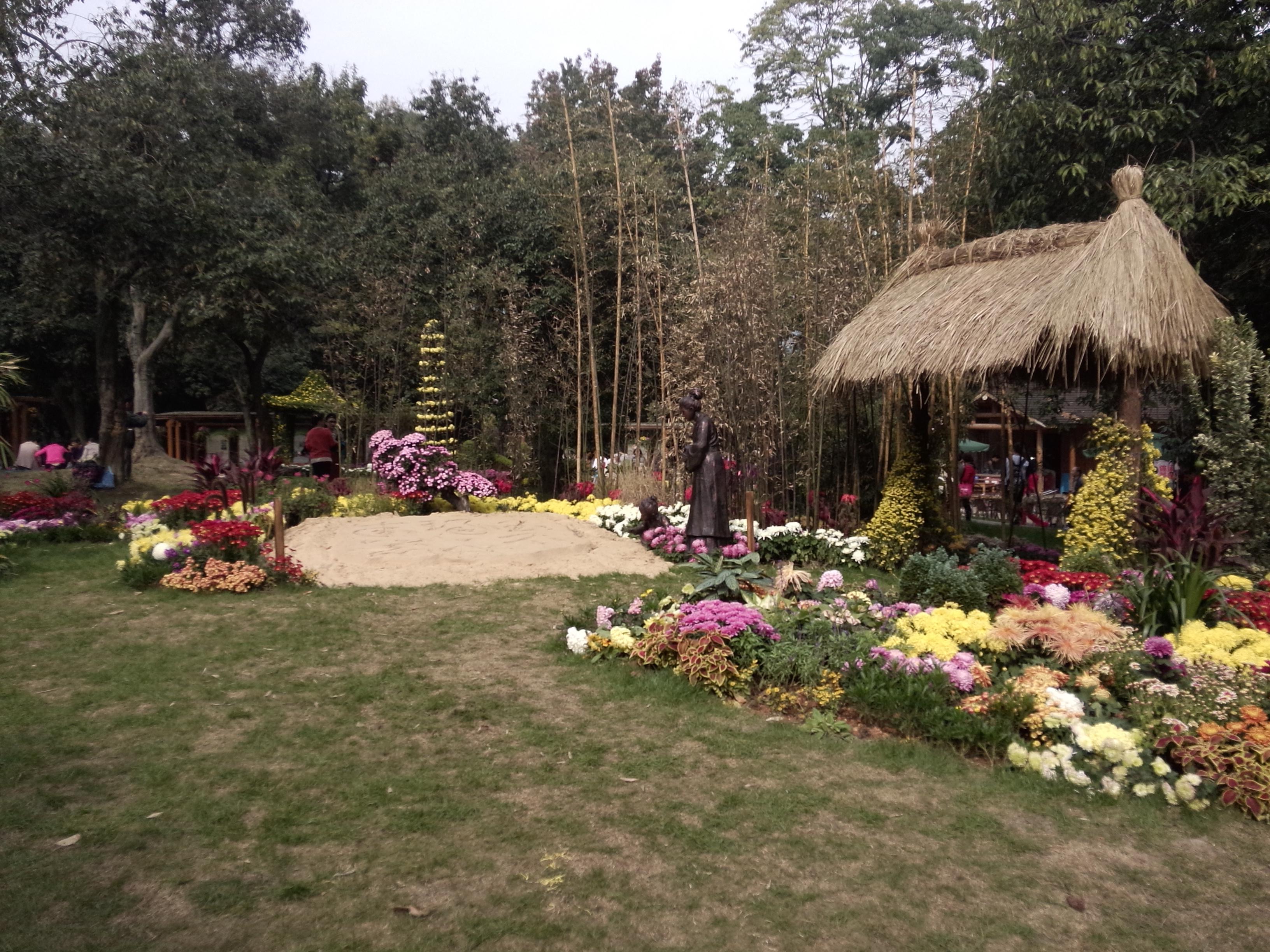 稻草房子的设计,加上农家院子的感觉