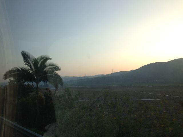 早上从昆明飞西双版纳的航班由于天气原因