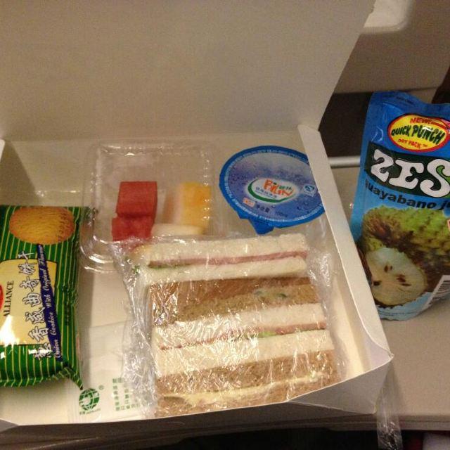 飞龙航空的飞机餐,榴莲果汁是特色