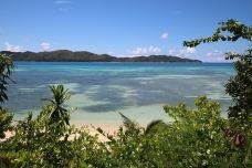 普拉兰岛-普拉兰岛