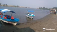 Playa las Barrillas-夸察夸尔科斯