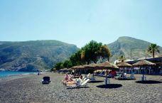 卡马利黑沙滩-圣托里尼-乖小咪