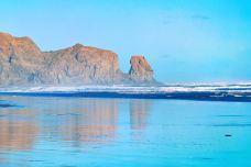 Karekare Beach-奥克兰-新西兰鸟叔和神仙姐姐