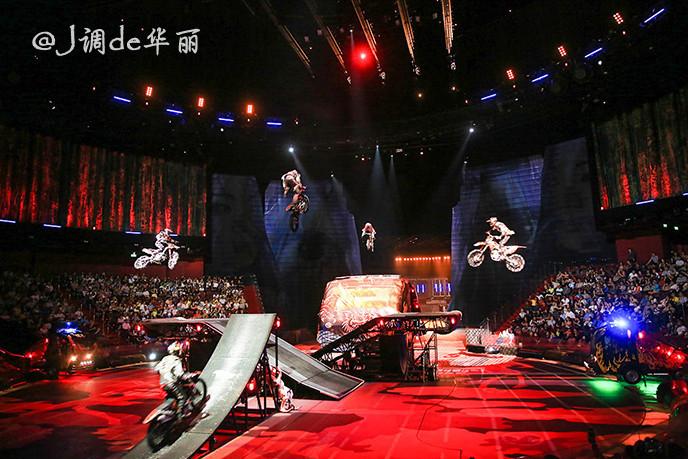 澳门人体表演_更有刺激的机车表演,整个汇演可谓挑战人体极限 .