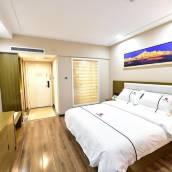 昆明航船酒店