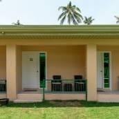 邦勞島椰子小屋酒店