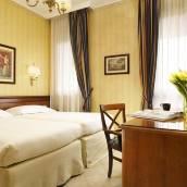 米蘭UNA康塔莎喬蘭德住宅酒店
