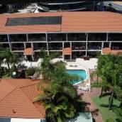 伯利棕櫚假日公寓酒店
