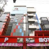 K2 汽車旅館