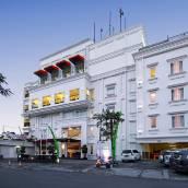 巴東 HW 酒店