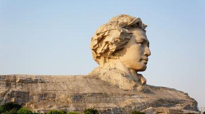 橘子洲公园_橘子洲头的年轻毛泽东雕塑