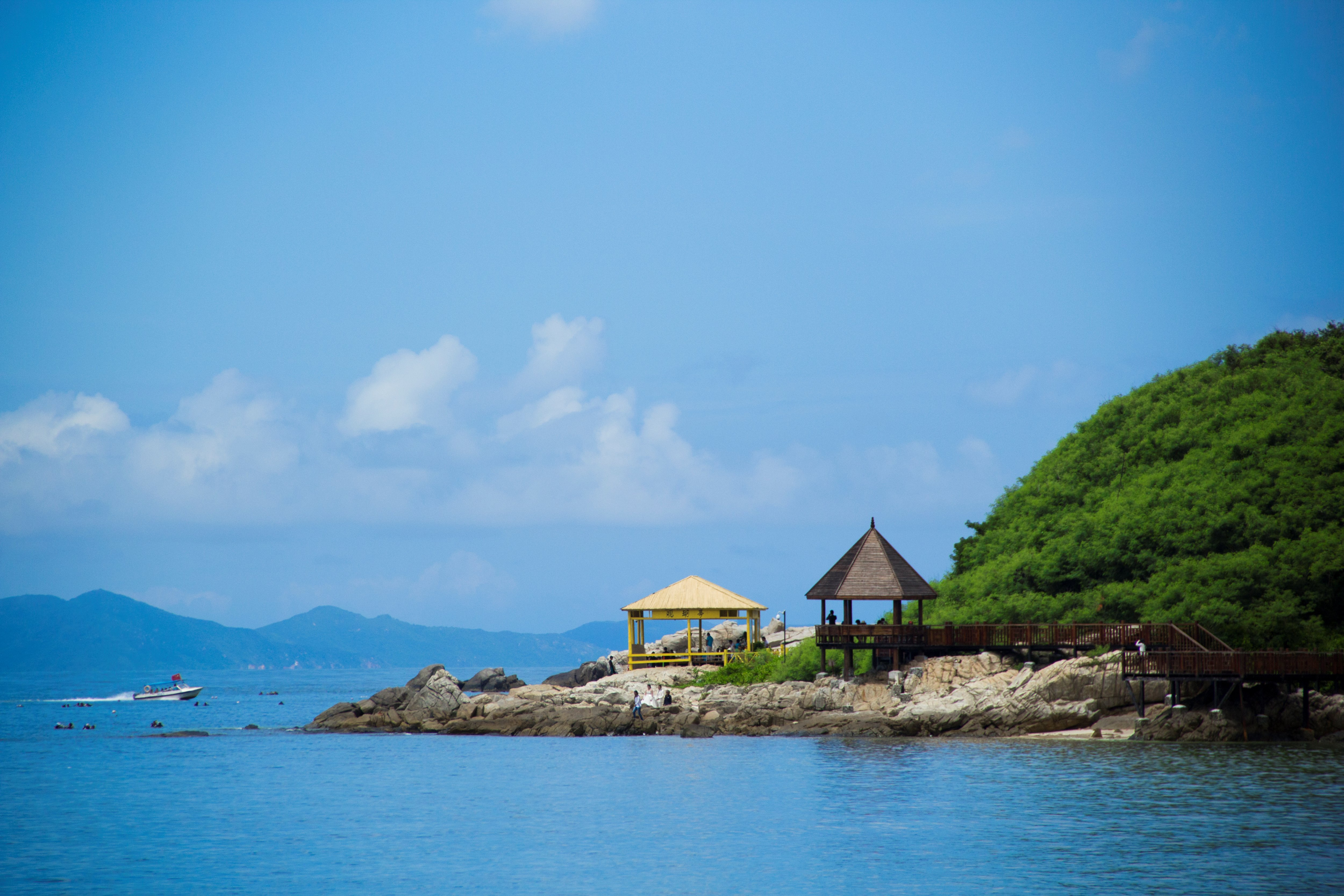 Sanya Wuzhizhou Island Romantic Lover Island Chartered Car One Day Tour [Lover Island + Including Gate Ticket + Special Car Service + Complimentary Trip Auction]