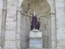卡比托利欧广场-罗马-12837090