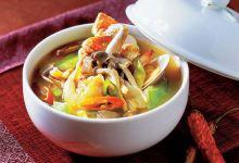 曼谷美食图片-冬阴功汤