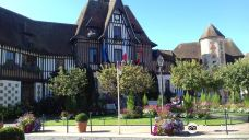 多维尔市政厅-多维尔